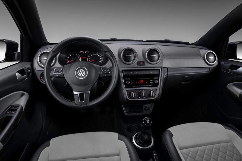 Volkswagen Voyage 2016 interior