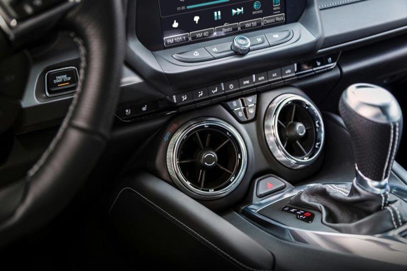 Chevrolet Camaro 1le 2017-interior