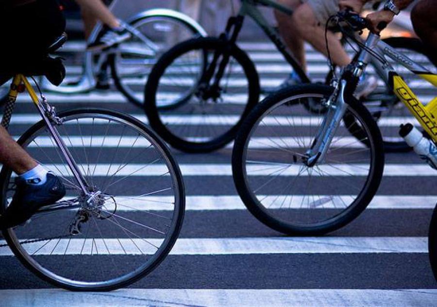 pessoas-de-bicicleta
