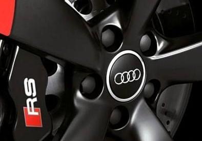 Roda esportiva Audi preta