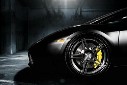 Roda esportiva Lamborghini cinza