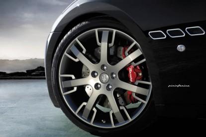 Roda esportiva Maserati preto