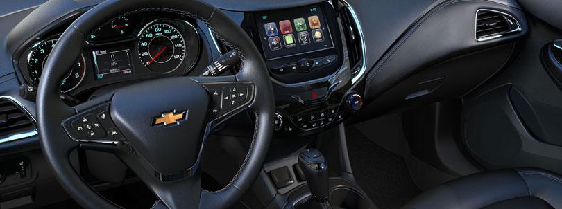 Novo Chevrolet Cruze 2017 interior e painel