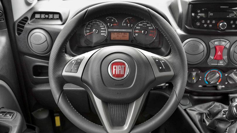 Fiat Doblò 2017 - Interior e painel