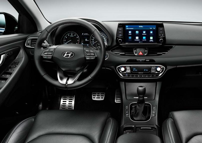 Hyundai i30 2017- Interior e painel