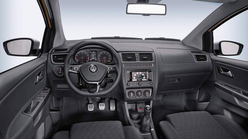 Volkswagen Crossfox 2017 - Interior e painel