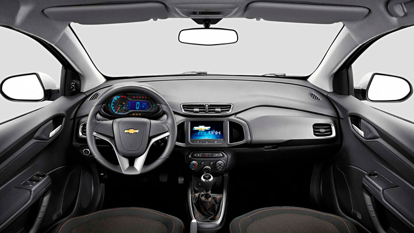 Chevrolet Onix 2015 - Interior e painel