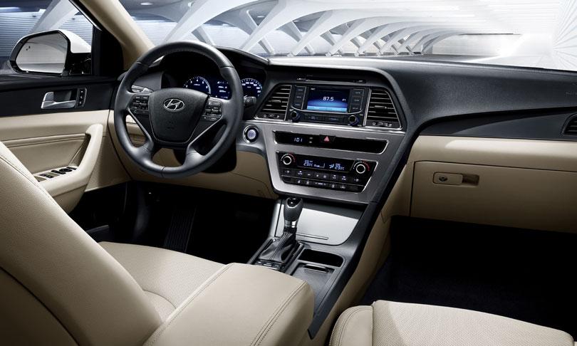 Hyundai Sonata 2017: Análise, motorização, lançamento e fotos  Hyundai Sonata 2017 Interior