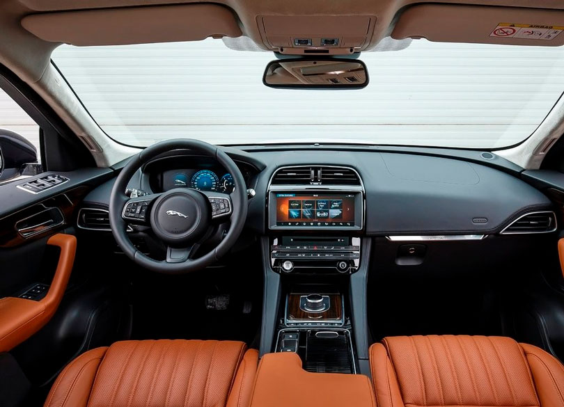 Jaguar F-Pace 2017 interior