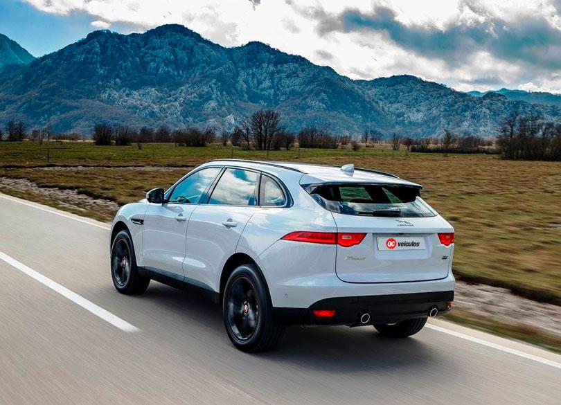 Jaguar F-Pace 2017 traseira