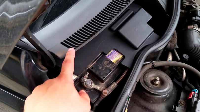 Protetor para bateria do carro