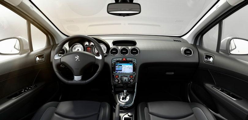 Peugeot 408 2018 interior