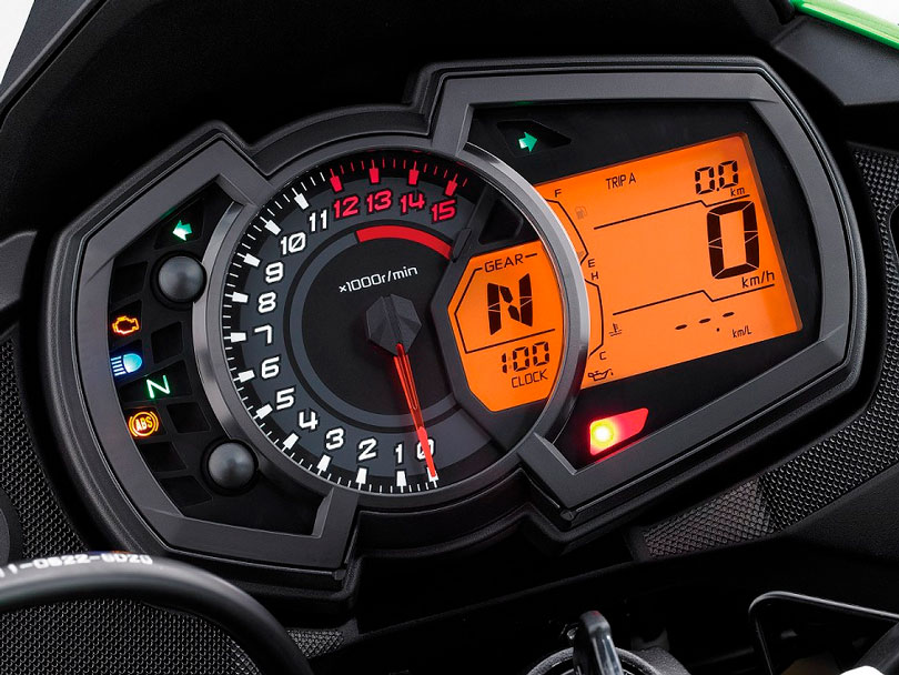 Kawasaki Versys-X 300 2018 painel