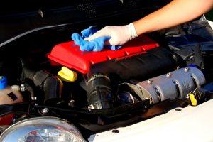 Limpar o motor do carro