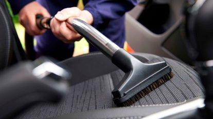 Como limpar os bancos do carro