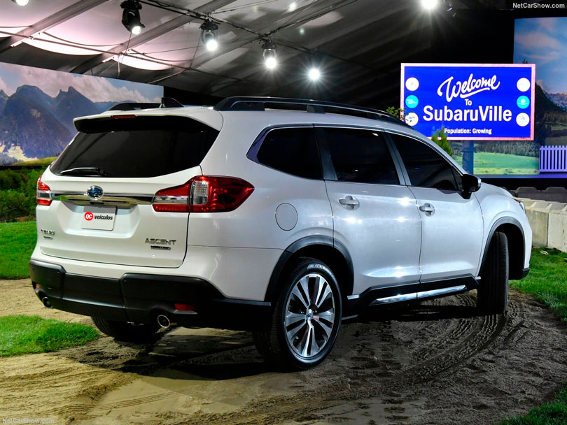 Subaru Ascent 2018 traseira