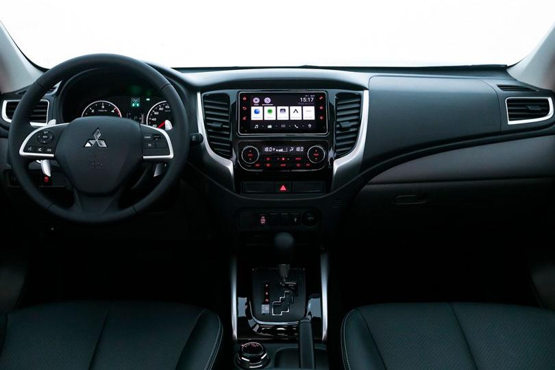 Mitsubishi-L200-Triton-Sport-2019-interior