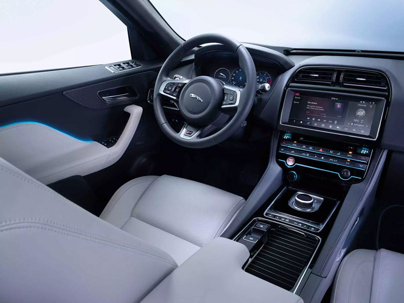 Jaguar-F-Pace-2018-interior