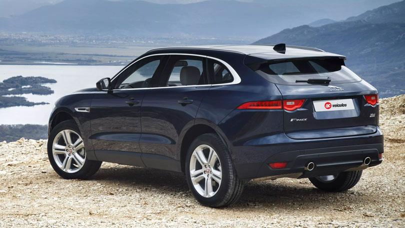 Jaguar-F-Pace-2018-traseira