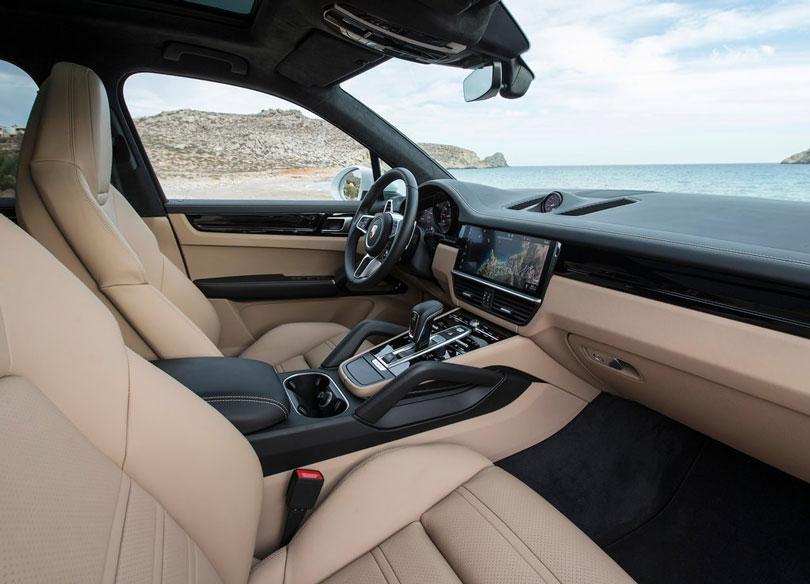 Porsche-Cayenne-2018-interior