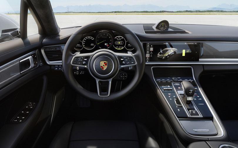 Porsche-Panamera-2018-interior