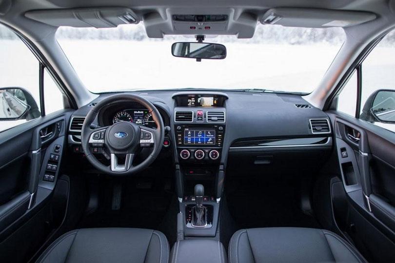 Subaru-Forester-2018-interior
