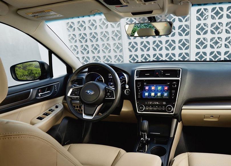 Subaru-Legacy-2018-interior