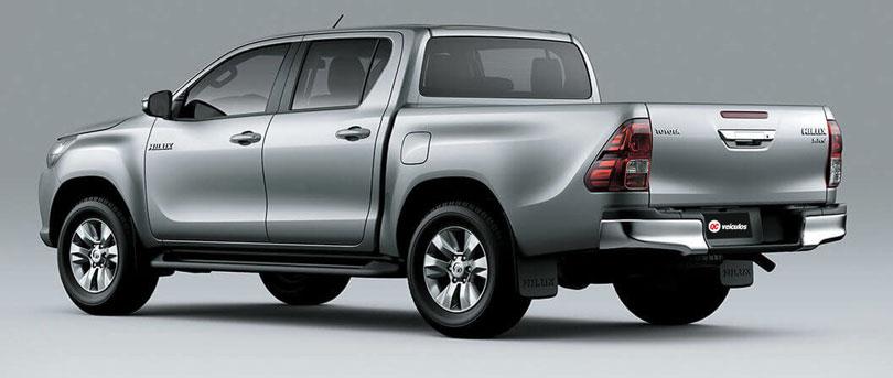 Toyota-Hilux-2018-traseira
