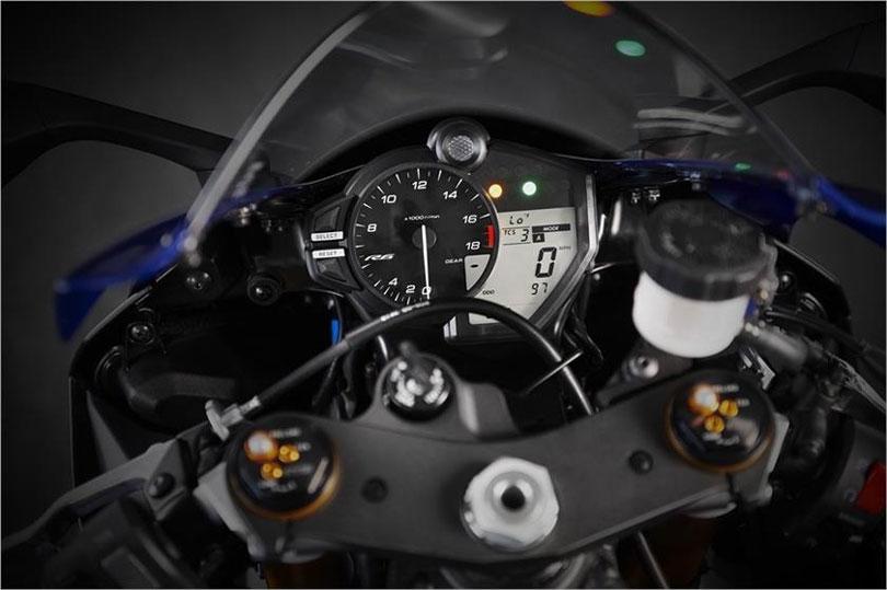 Yamaha-YZF-R6-2018-painel